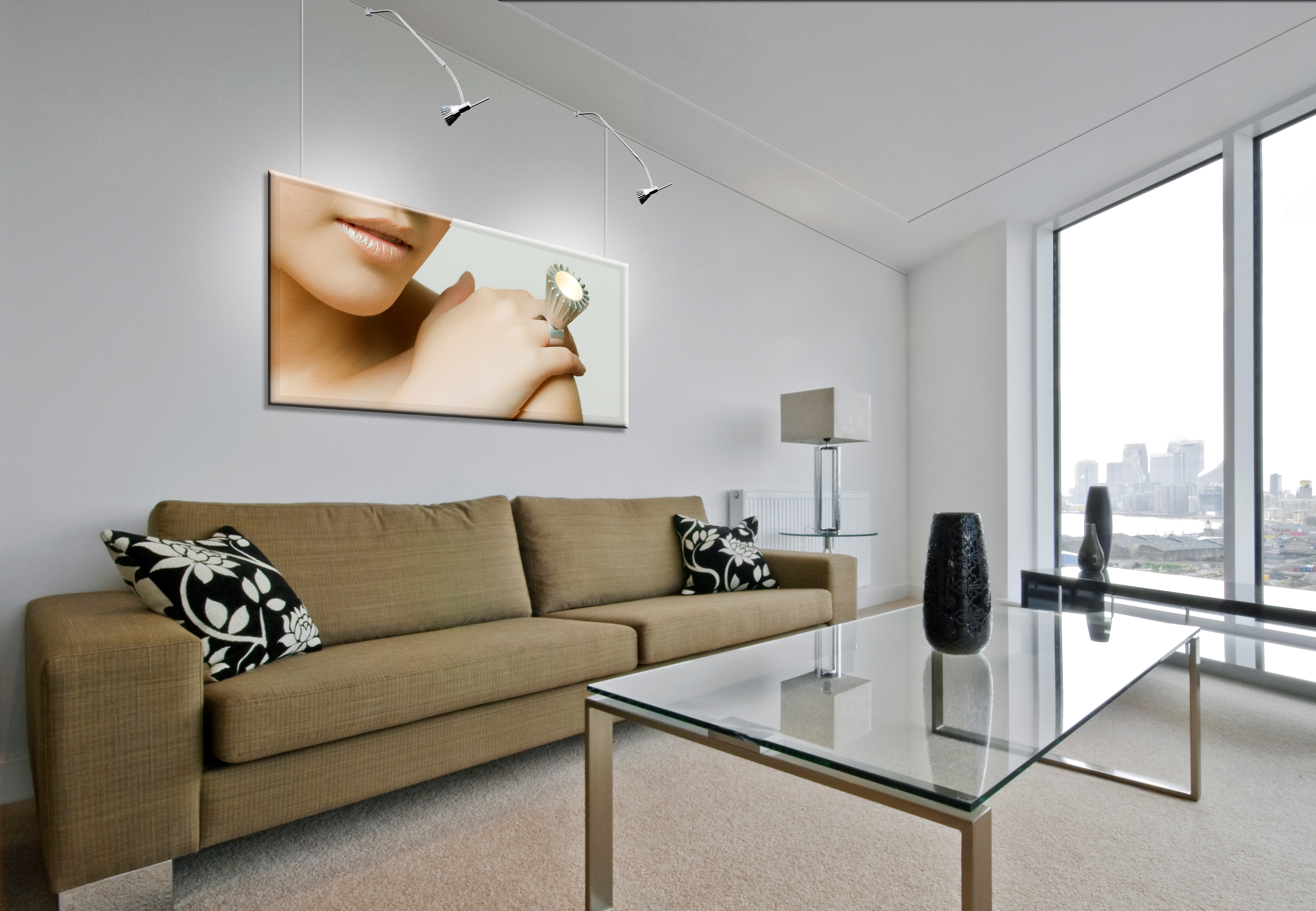 Pareti Gialle Soffitto Bianco: Eseguito sul soffitto e pareti riquadri in gesso con stucco venezia.